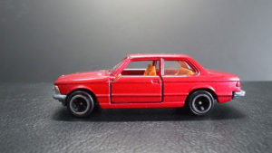 トミカ 青箱 BMW 320i 日本製